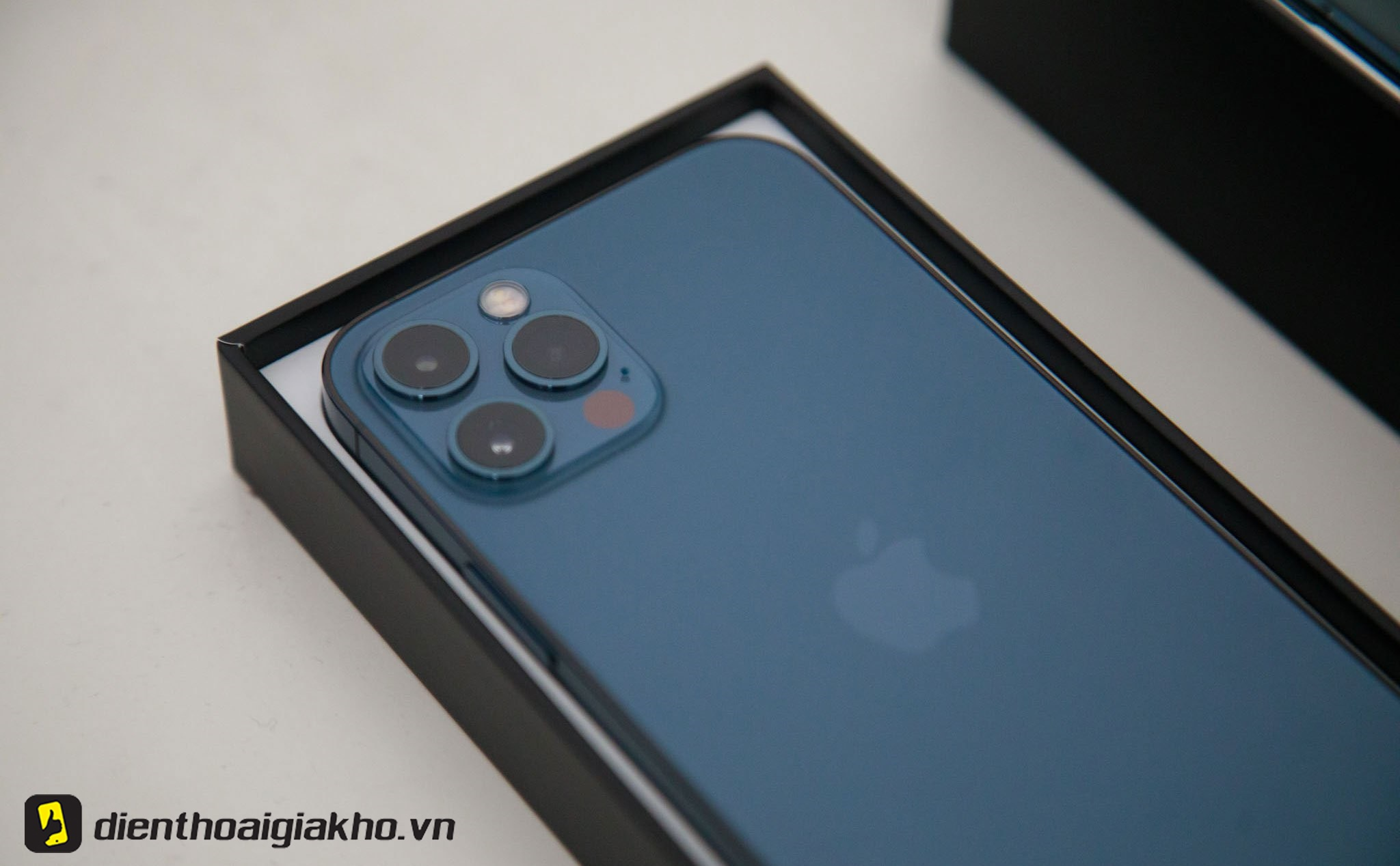iphone-12-mau-nao-dep-nhat-cau-tra-loi-co-phai-la-mau-xanh-duong
