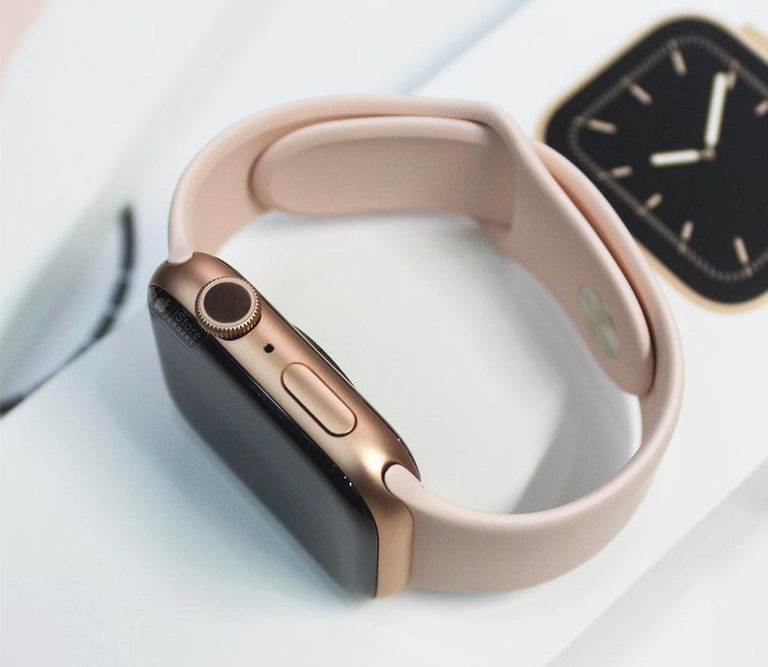 Apple Watch Series 5 44mm LTE Stainless Steel Case with Milanese Loop
