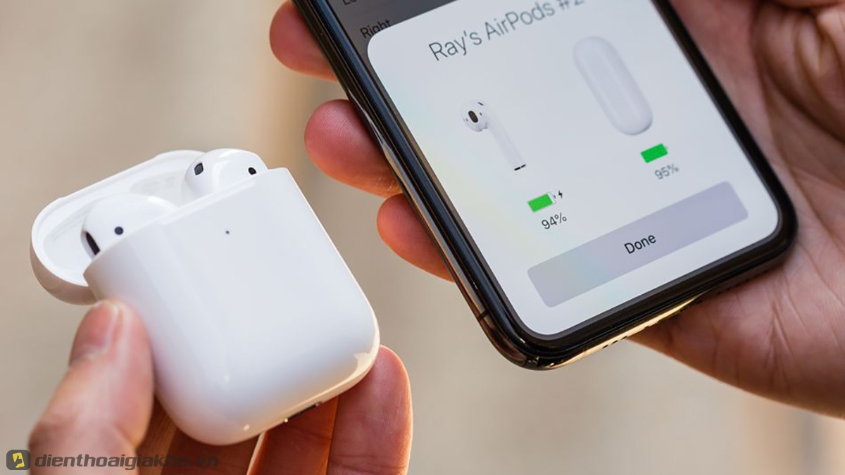 Cài đặt tai nghe Airpods 2 hộp sạc không dây với iphone có lẽ là bước quan trọng nhất. Bạn cần tập khi làm thao tác này.