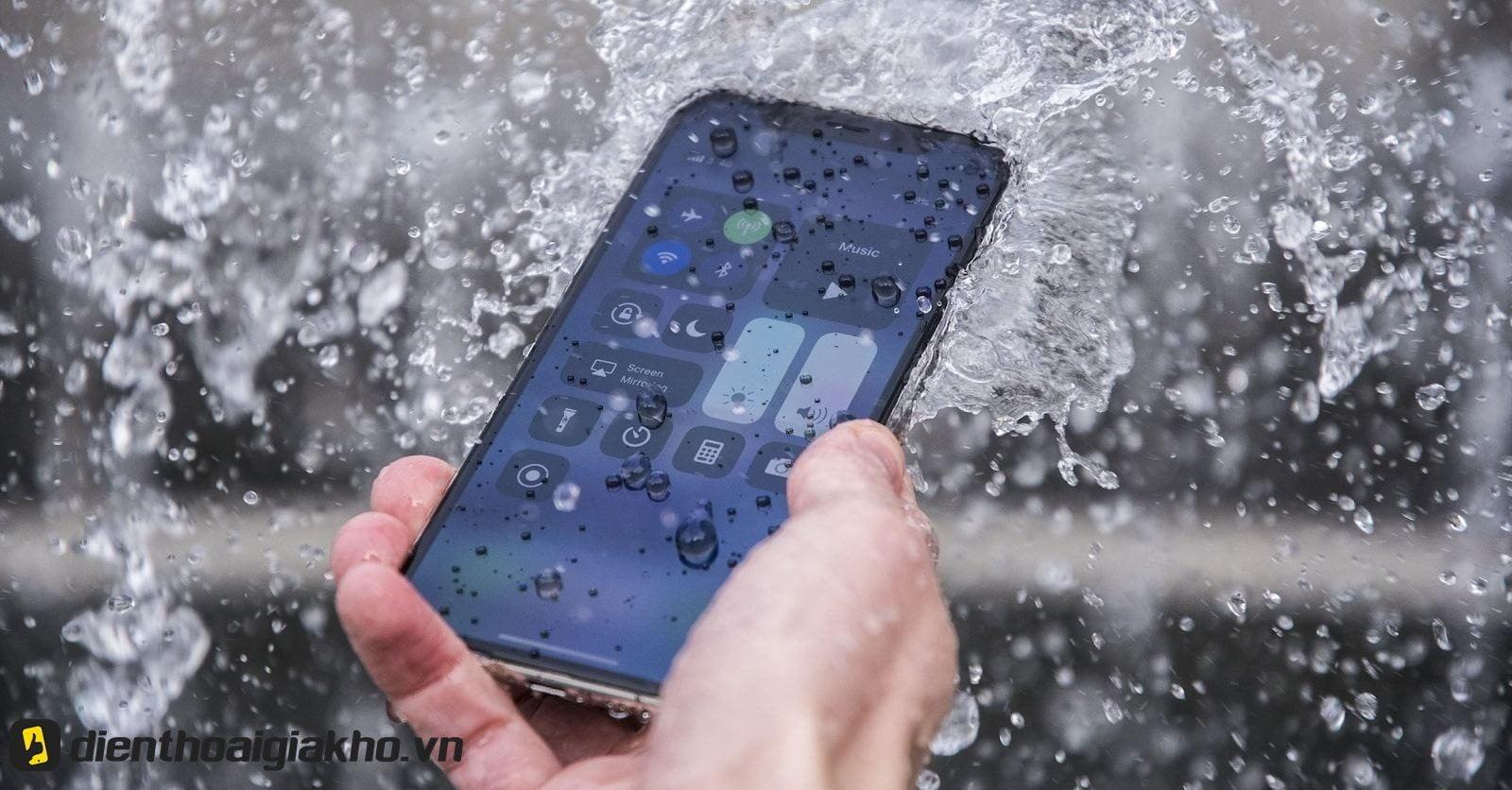 iP 8 Plus có chống nước không